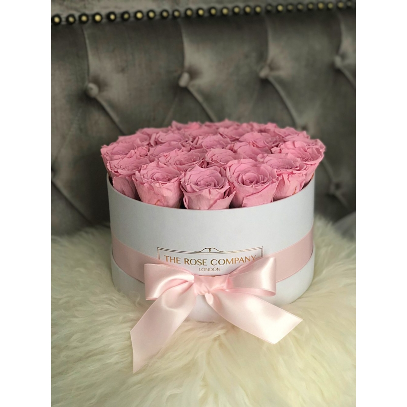 SWEET PINK INFINITY ROSES - white medium box with ribbon